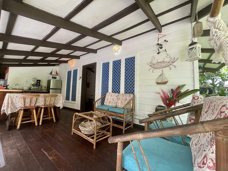 C1 Coralina Comfortable Chic Bungalow *AC*, vacation rental in Puerto Viejo de Talamanca