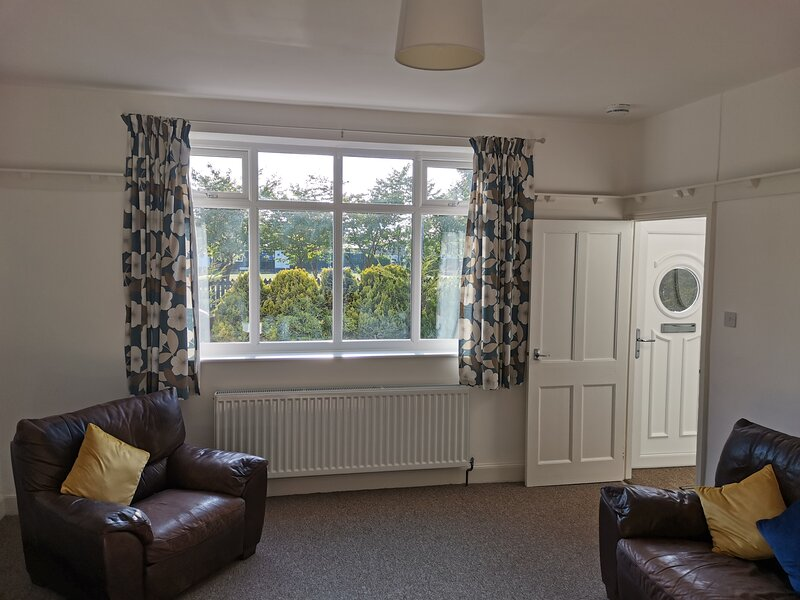 Cheerful Bright and Sunny Cottage, holiday rental in Bedlington