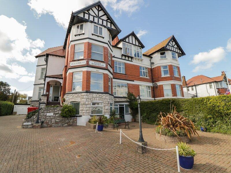 Apartment No4, Rhos-On-Sea, holiday rental in Rhos-on-Sea