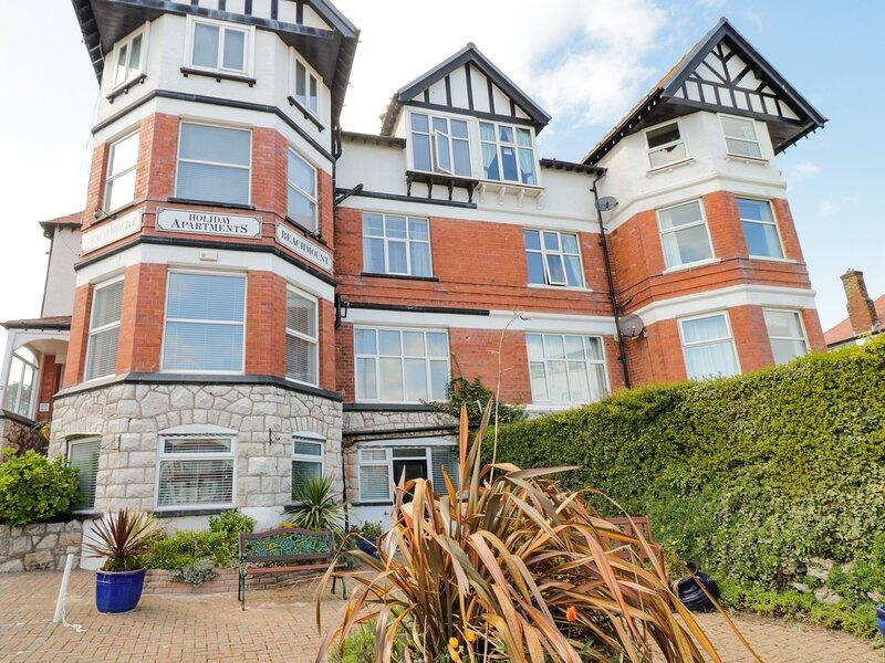 Apartment No3, Rhos-On-Sea, holiday rental in Rhos-on-Sea