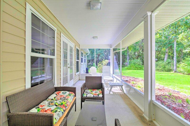 NEW! Brooksville Home w/ Lanai: 15 Min to Dtwn!, vacation rental in Brooksville