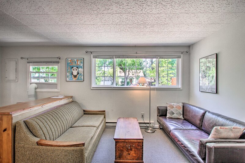 NEW! Eugene Cottage w/ Deck: 1 Mile to Downtown!, casa vacanza a Creswell