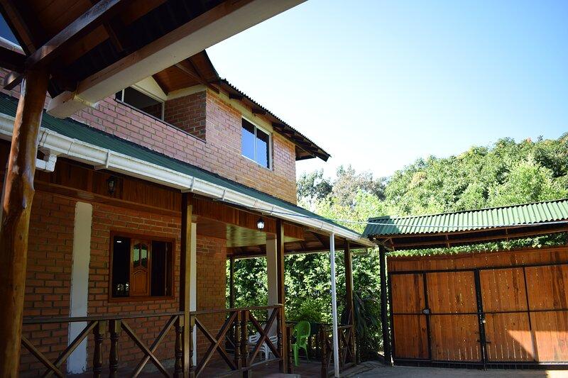 Hospedaje Los Pinos, cabana en Minca, holiday rental in Los Naranjos