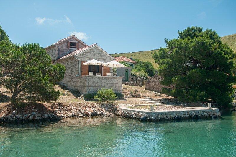 Beautiful Villa Kornati, holiday rental in Tkon