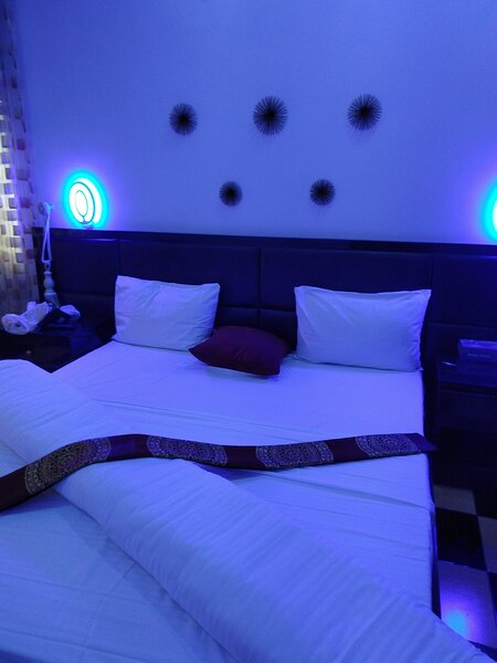 Melbourne Luxury Apartments & Suites, holiday rental in Ikeja