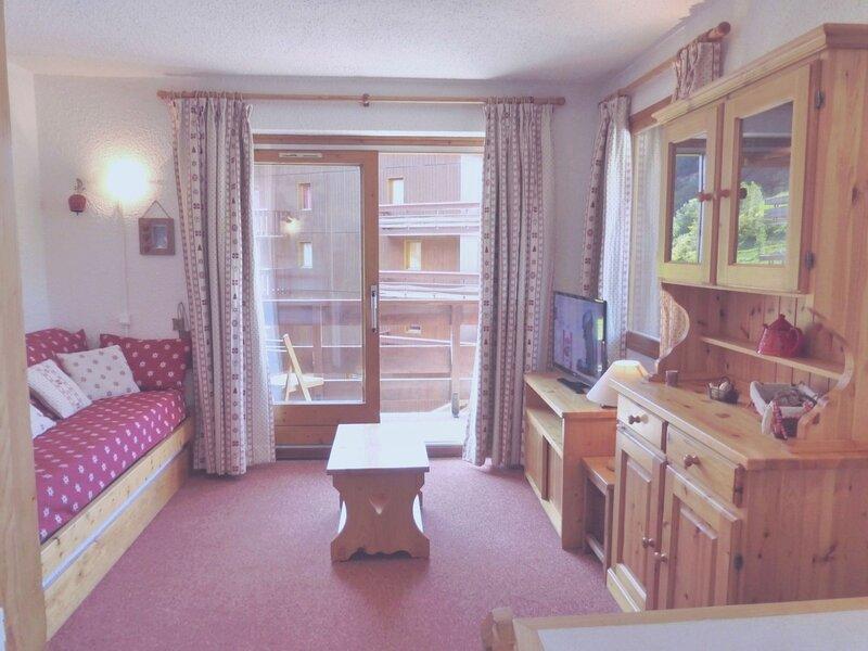 Appartement 2 pièces cabine aux pieds des pistes à 1850m d'altitude., vacation rental in Meribel Mottaret