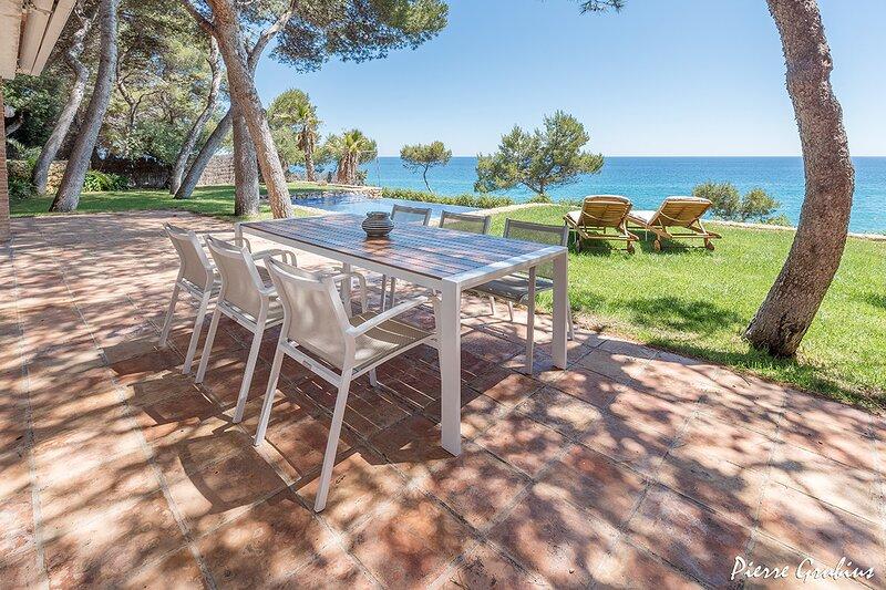 Villa frente al mar en Tamarit - Tarragona · VILLA DALÍ, alquiler vacacional en Tamarit