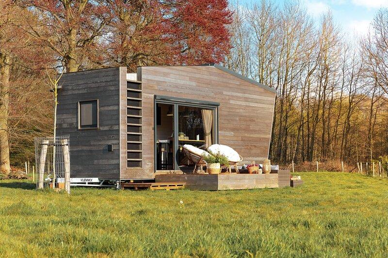 Tiny House looking over the Castle Meadows, alquiler de vacaciones en Aalter