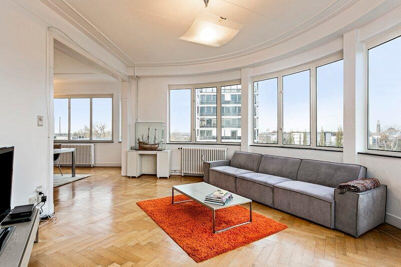 De Rotonde - Panoramic Apartment next to Antwerp Expo, casa vacanza a Kiel