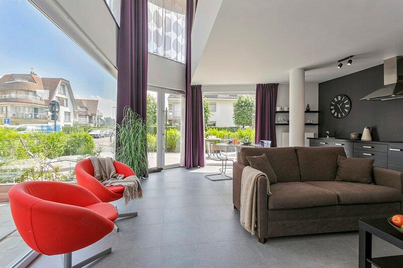Modern appartment with terrace nearby the beach at Knokke-Heist!, alquiler de vacaciones en Zeebrugge