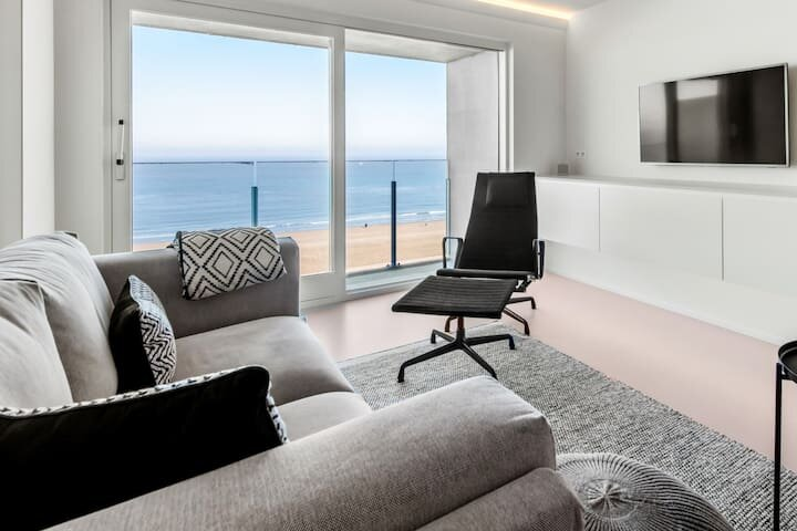 Stunning modern apartment with sea-view in 't Zoute, holiday rental in Retranchement