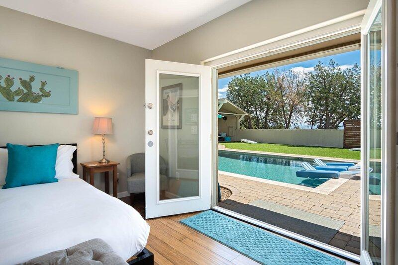 Casa Buena Vista Guest Studio VIEWS, PRIVACY, PRIVATE POOL, HOT TUB on 2.5 ACRES, aluguéis de temporada em Cottonwood