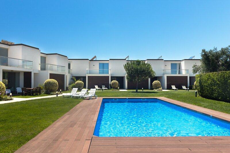 Sagres Blue Villa H - 10 min walk to the beach, holiday rental in Sagres