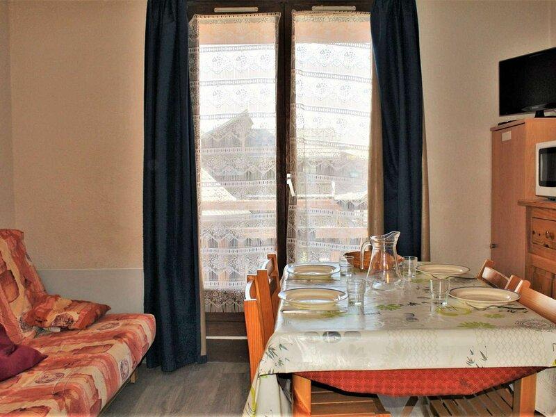 Appartement Studio coin montagne 2 couchages RISOUL 1850, vacation rental in Saint-Clement-sur-Durance