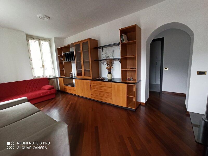 Appartamento in Villa Puccini, holiday rental in Lecco