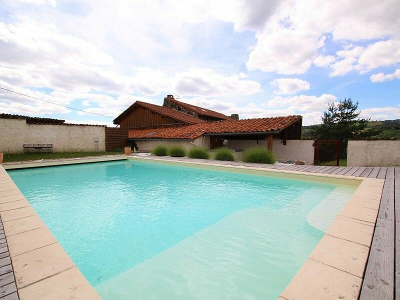 Les Coquelicots, holiday rental in Grazac
