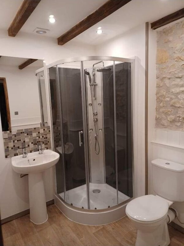 Newly renovated shower room