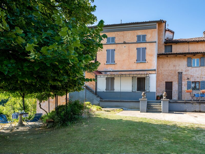 Cascina Villa (AST231), holiday rental in Mombercelli