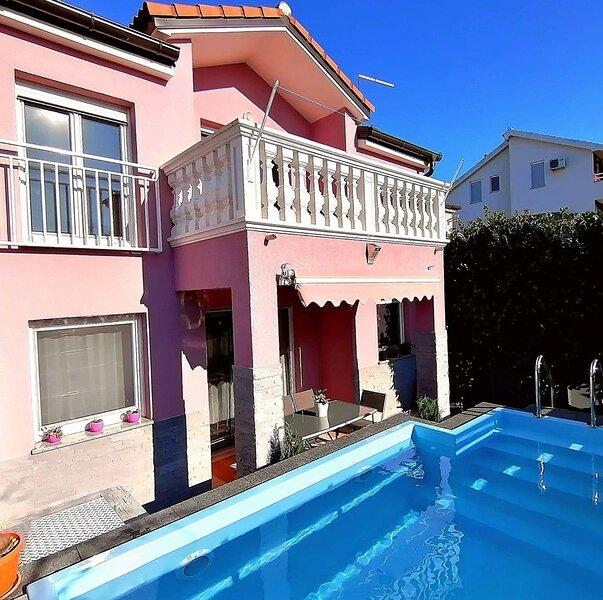 House Srima-Vodice Dalmatia 8+2, holiday rental in Srima