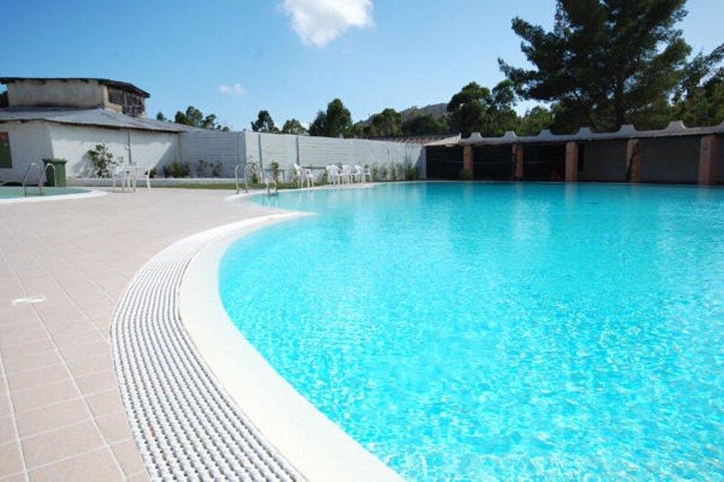 Case Vacanza Aiosardegna Capo Blu - Trilocale Capo Blu, holiday rental in Eden Rock