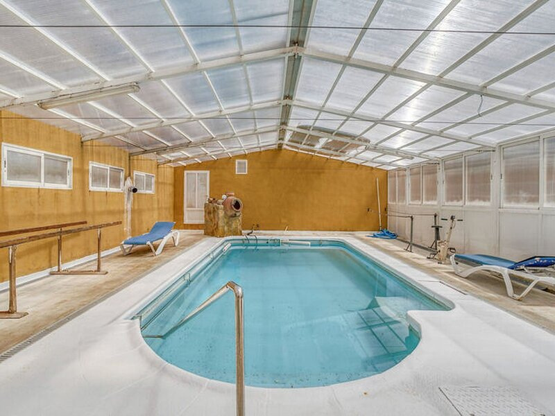 Secluded holiday home in Almería with shared swimming pool, location de vacances à Albox