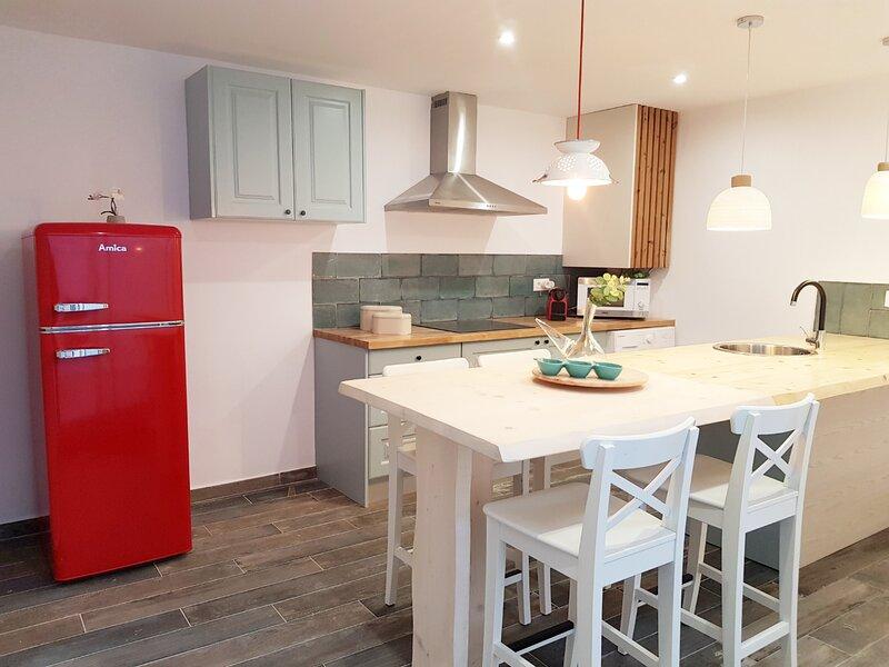Ideal parejas, apartamento en zona tranquila de Llançà, deco estilo Mediterráneo, aluguéis de temporada em Llanca