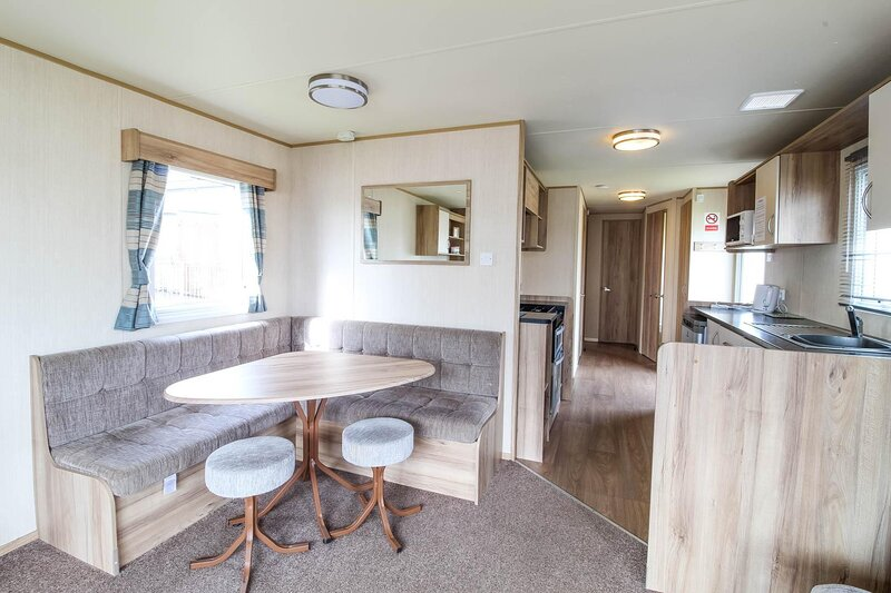 8 berth caravan for hire by the beach at Haven Caister Holiday Park ref 30014CB, vacation rental in Caister-on-Sea