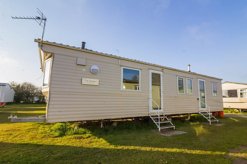 8 berth caravan for hire at Sunnydale Park in Lincolnshire, Skegness ref 35082B, holiday rental in North Somercotes