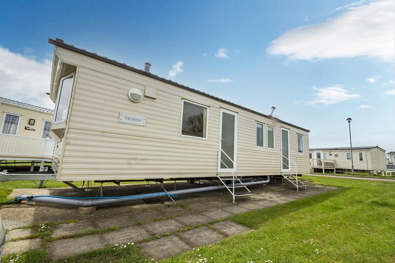 8 berth caravan for hire at Naze Marine holiday park ref 17015D, holiday rental in Walton-on-the-Naze