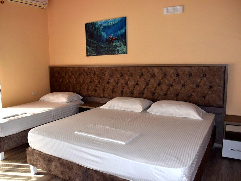 Hotel Nr One - Standard Triple Rooms, vacation rental in Gjirokaster County