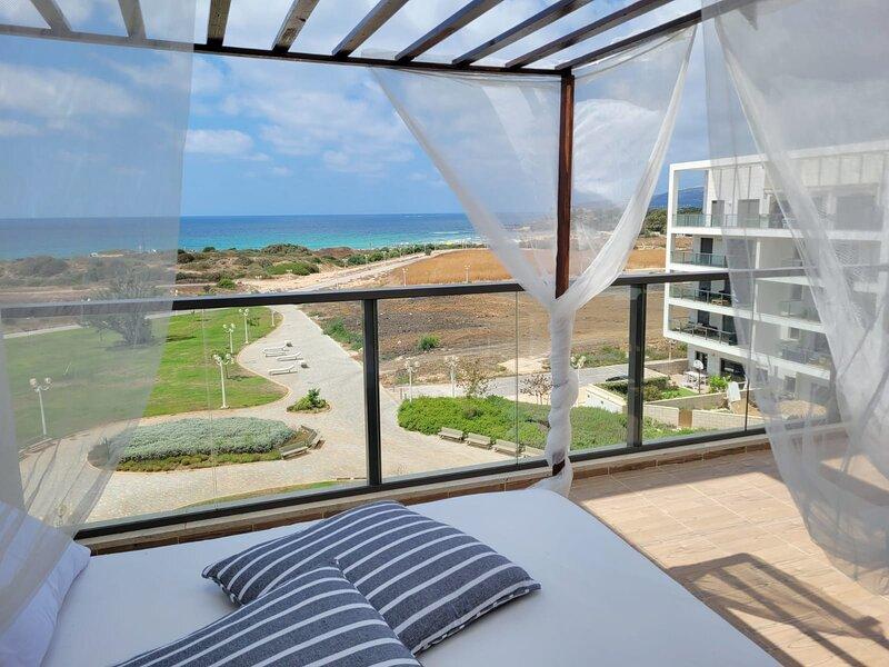 Fantastic and Spacious Achziv Beach Apartment, vacation rental in Nahariya