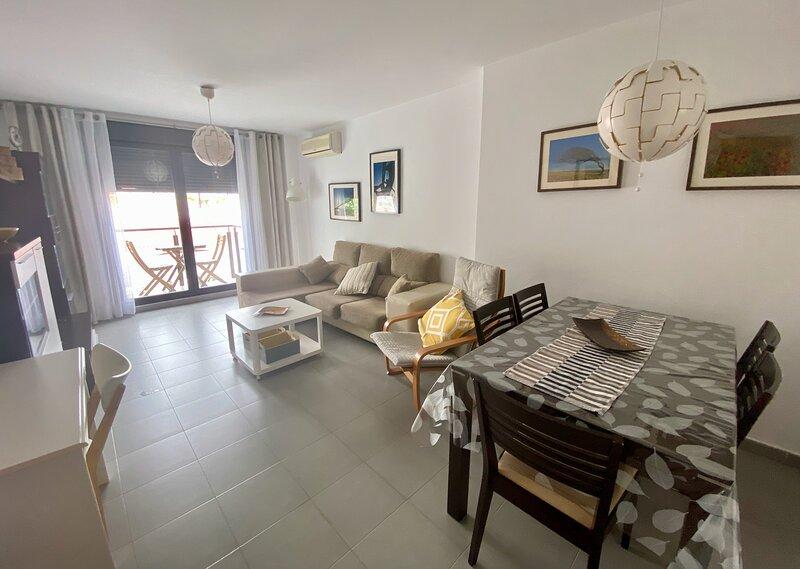 Perfecto para familias/parejas, Piscina & WIFI, holiday rental in Province of Huelva