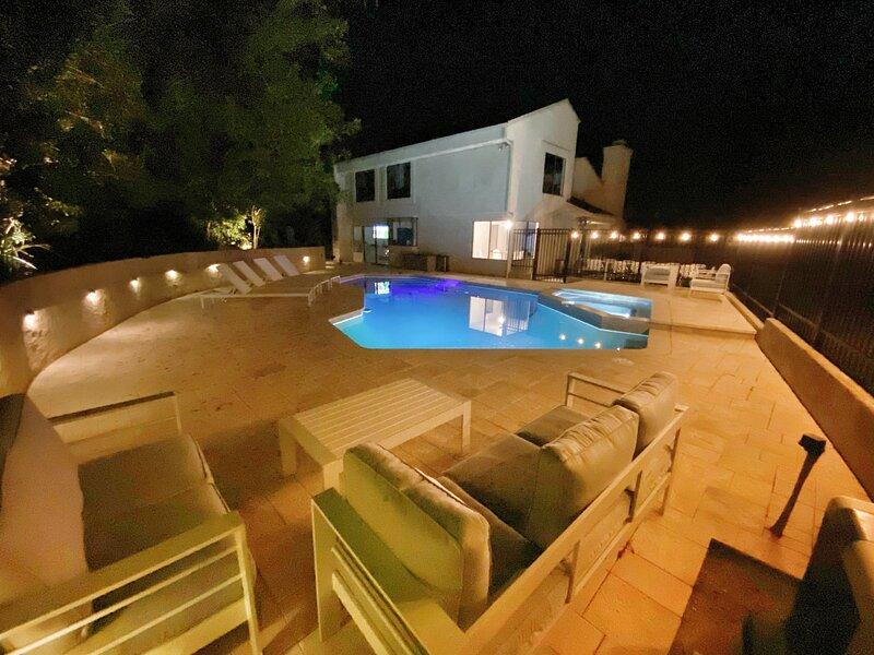 Private resort living minutes from Laguna Beach, aluguéis de temporada em Laguna Beach
