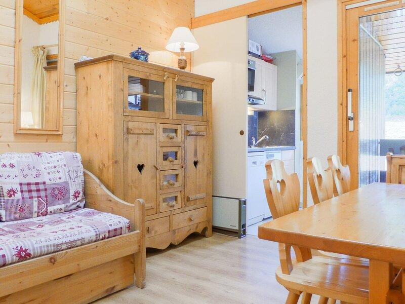 AGREABLE DUPLEX SKIS AUX PIEDS - PROCHE DES COMMERCES, vacation rental in Meribel Mottaret