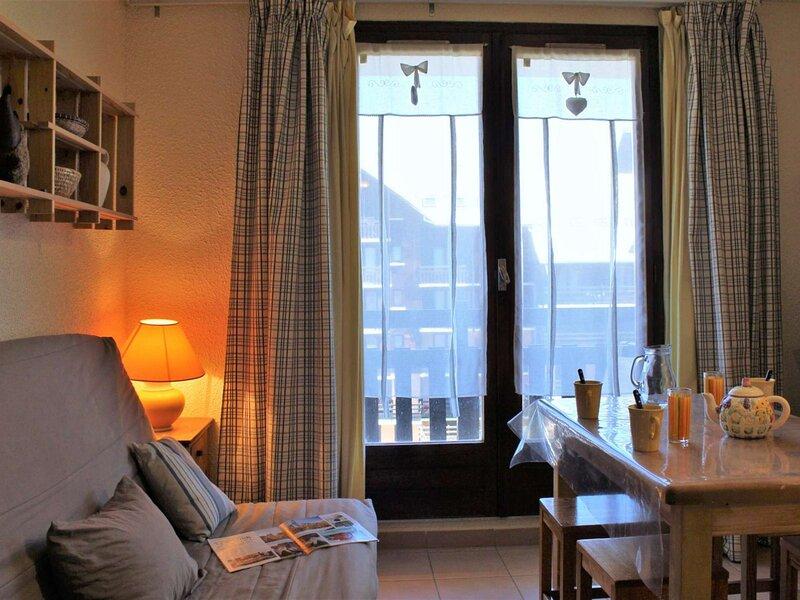 Appartement 2 pièces couchages RISOUL 1850, vacation rental in Saint-Clement-sur-Durance