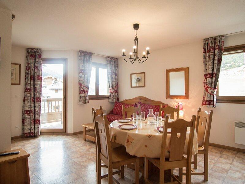 BONB18M - Appartement spacieux pour 6 personnes au pied des pistes, vacation rental in Lanslevillard