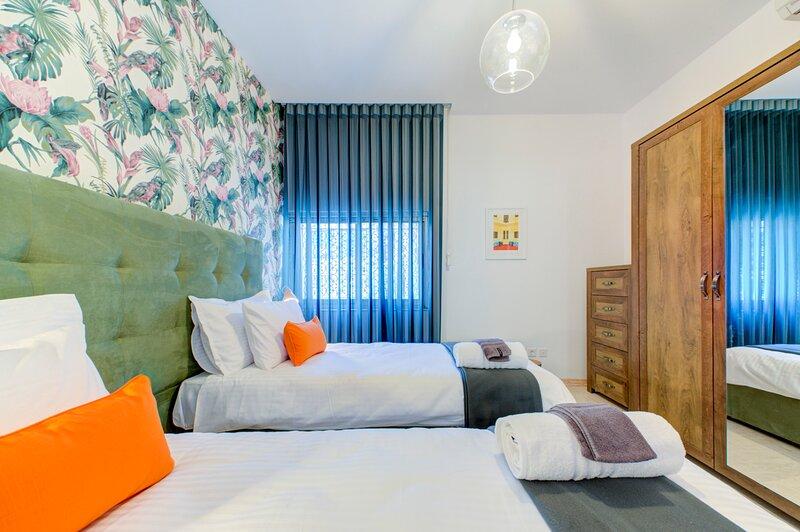 La Punziett. A bright newly refurbished apartment close to sandy beaches, holiday rental in Xemxija