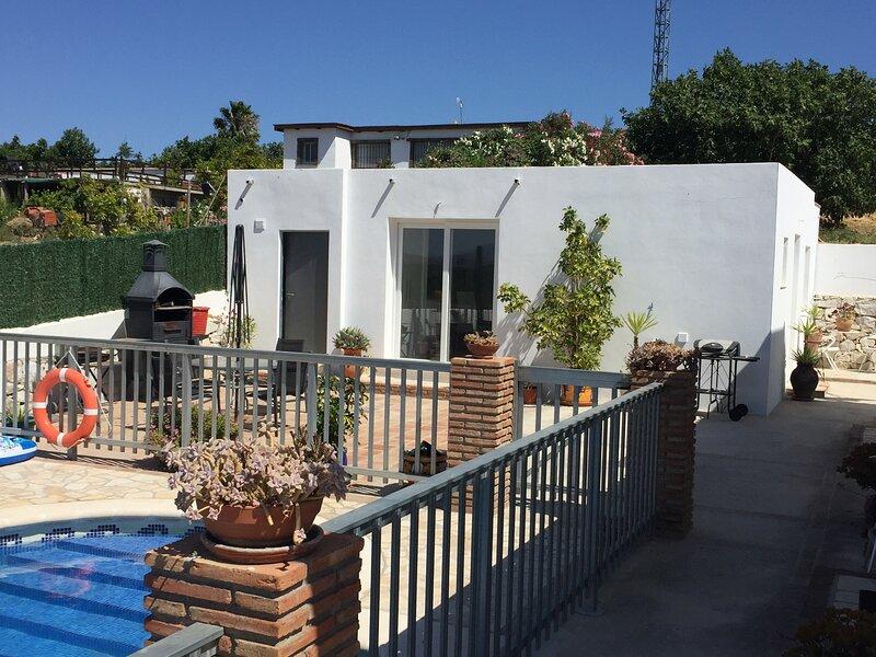 Cosy Modern Chalet in Alhaurin el Grande, Spain, holiday rental in Estacion de Cartama