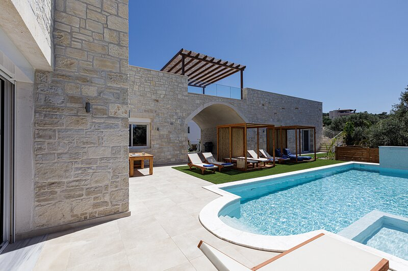 Villa Mandana, holiday rental in Pigi