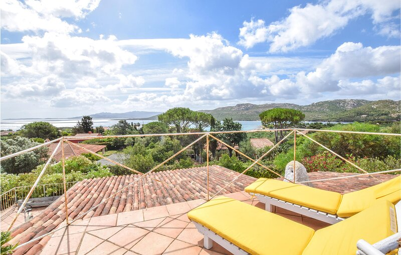 Amazing home in Le Saline with WiFi and 3 Bedrooms (IGG252), casa vacanza a Le Saline