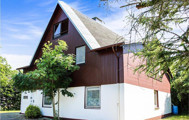 Stunning apartment in Otterndorf with 2 Bedrooms (DNS215), casa vacanza a Neuhaus an der Oste