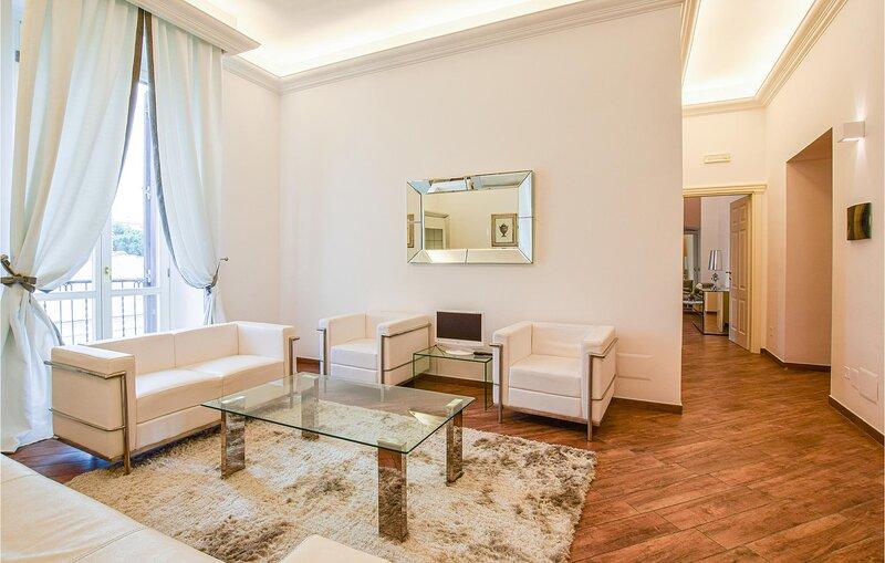 Amazing apartment in Trani with WiFi and 2 Bedrooms (ISA451), alquiler de vacaciones en Trani