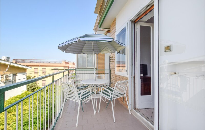 Beautiful apartment in Siponto with WiFi and 2 Bedrooms (ISA450), alquiler vacacional en Manfredonia