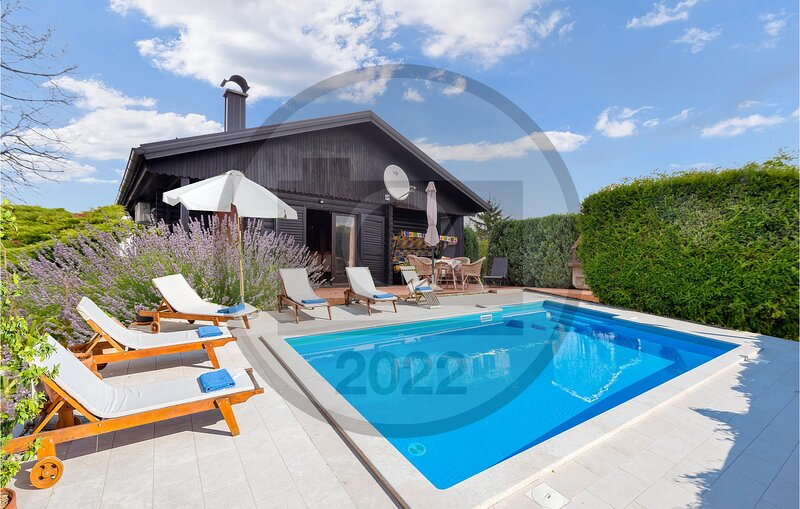 Amazing home in Varazdin Breg with Outdoor swimming pool, Sauna and WiFi (CCC307, vacation rental in Ivanec