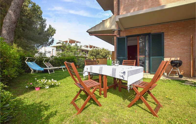 Beautiful apartment in Scarlino with 2 Bedrooms (ITM454), holiday rental in Pian D'Alma