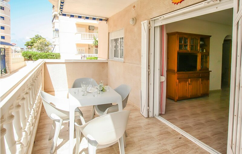 Beautiful apartment in Los Arenales del Sol with Outdoor swimming pool and 1 Bed, holiday rental in Los Arenales del Sol