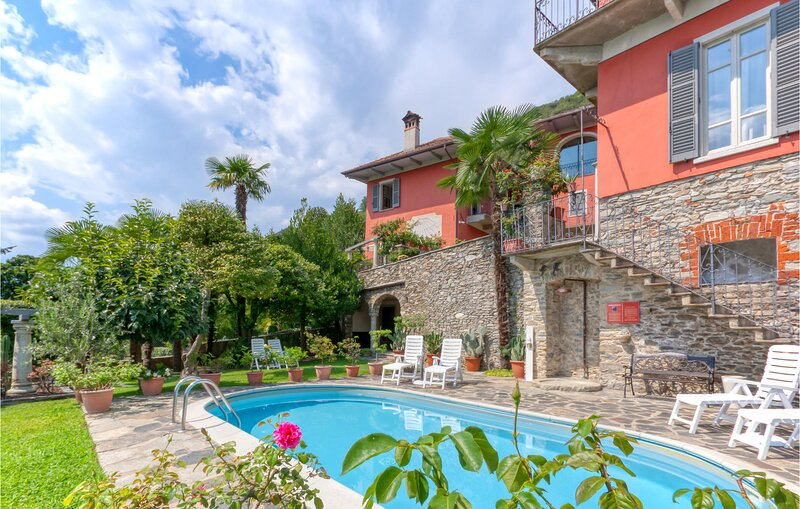 Nice apartment in Carcegna with Outdoor swimming pool and 2 Bedrooms (IVO129), Ferienwohnung in Ameno