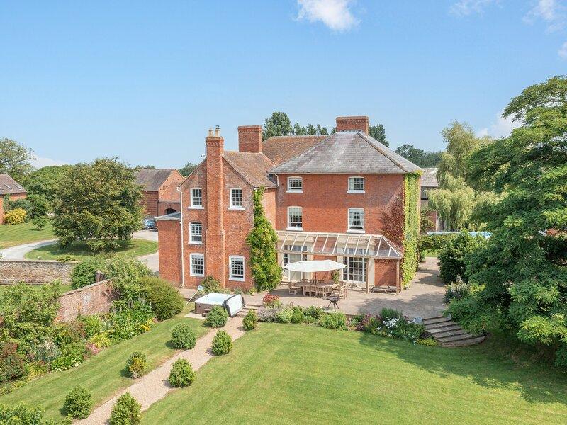 Hilltop House, Tenbury Wells, holiday rental in Tenbury Wells