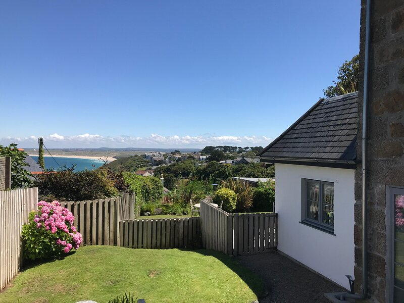 Stunning Seaside Apartment, holiday rental in St Ives
