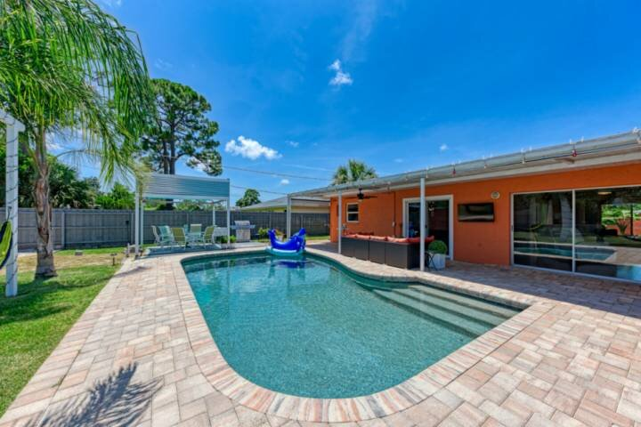NEW TO MARKET- Private Pool, SPA, WIFI, Grill and Centrally Located to Sarasota, location de vacances à Oneco